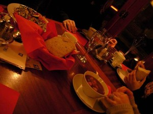 Köstlichkeiten in einem Bistro im jüdischen Viertel
